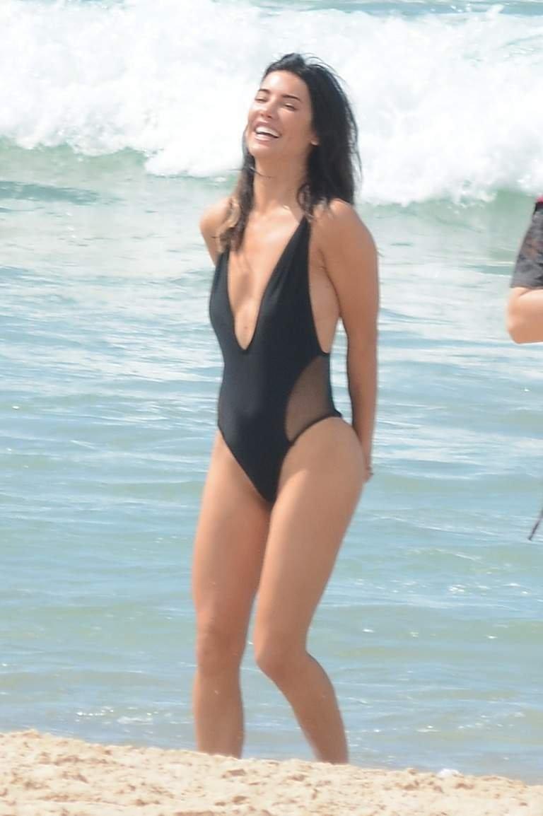 Jacqueline sexy photo