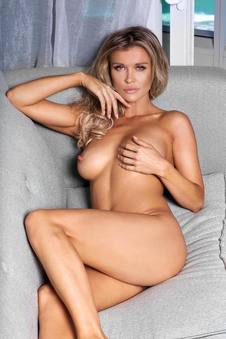 joanna krupa nude butt