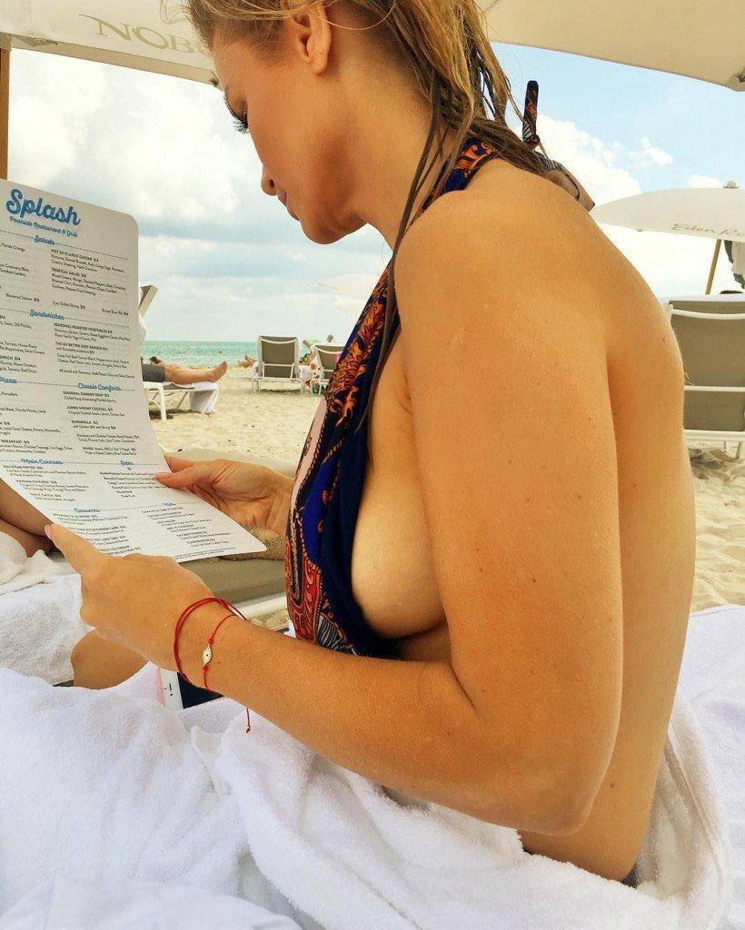 Joanna Krupa Nude & Sexy (6 Photos)