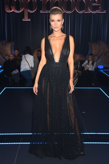 Joanna Krupa Sexy TM 3