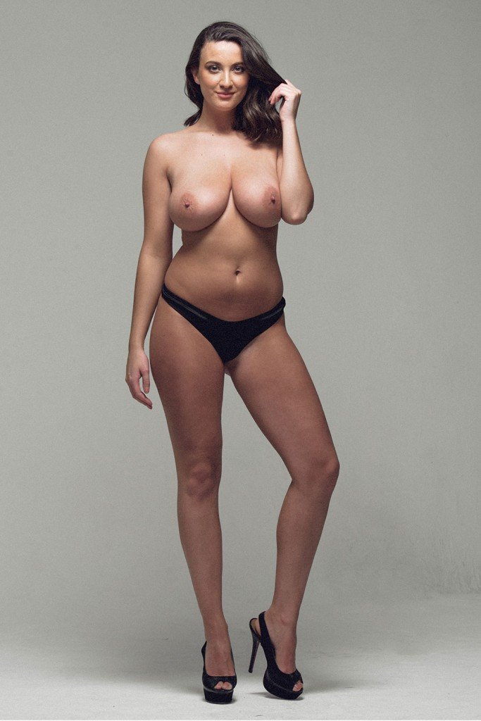 Joey Fisher Sexy and Topless (5 Photos)