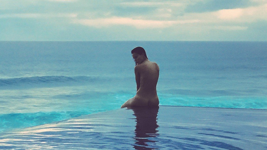 Keilani Asmus Nude & Sexy 11