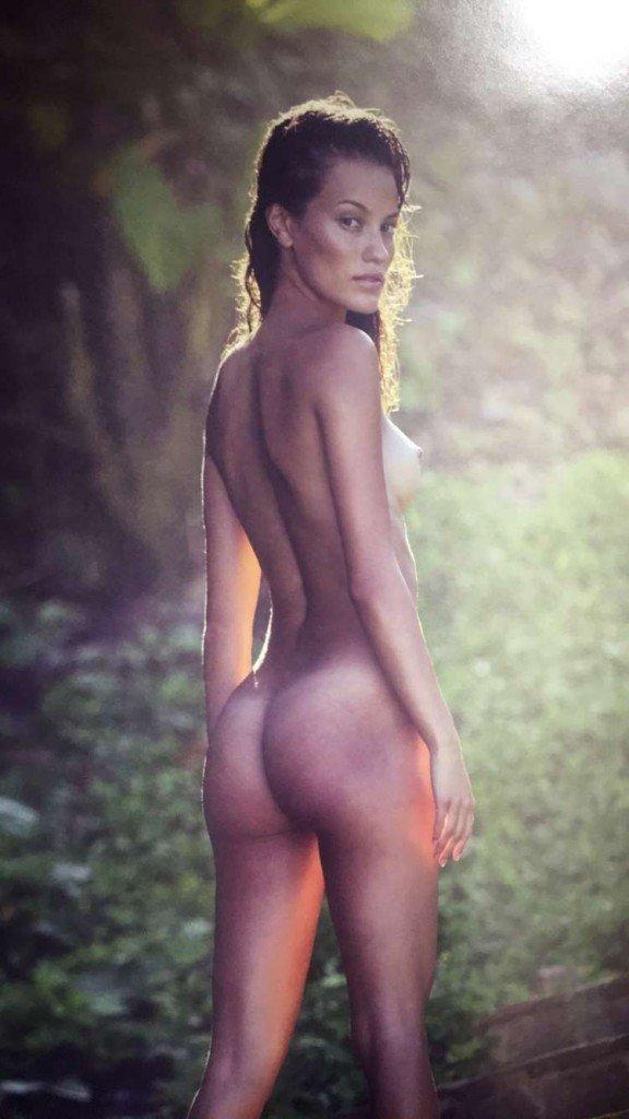 Keilani Asmus Nude & Sexy 18