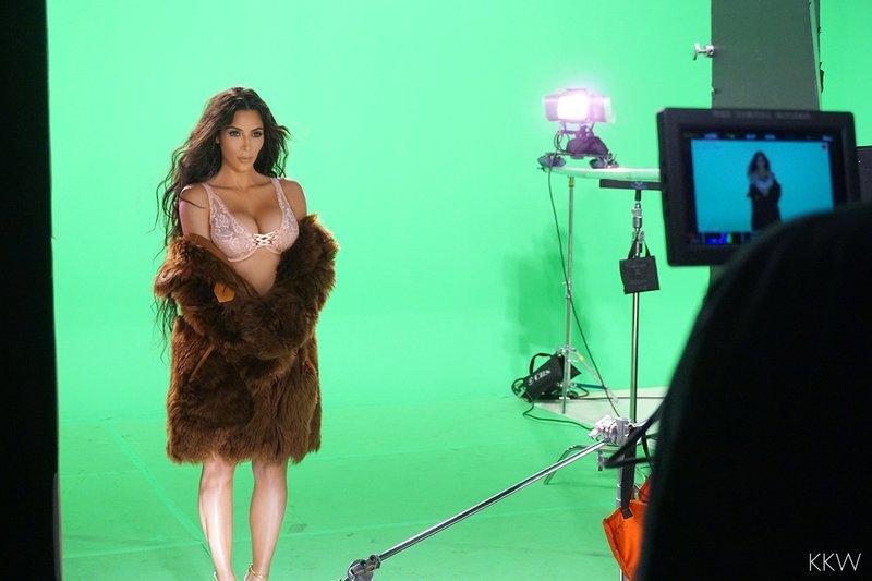 Kim Kardashian Sexy 1