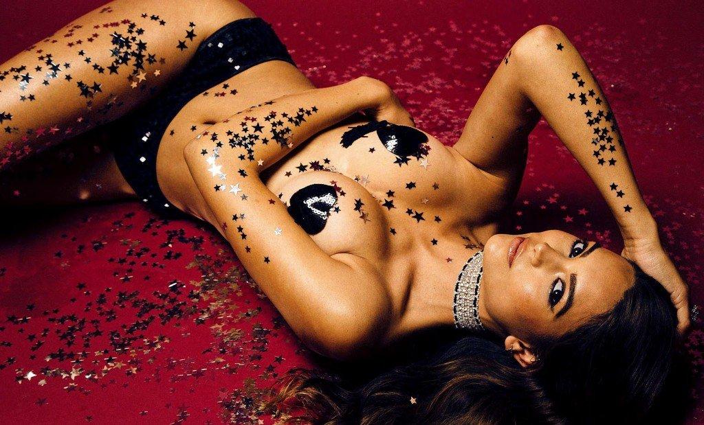 Kyra Santoro Nude & Sexy (6 Photos)