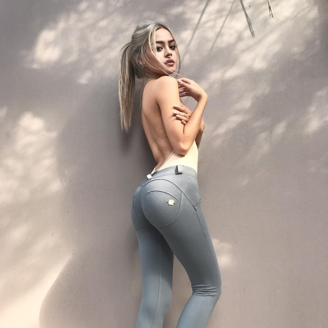 XXX Lily Maymac