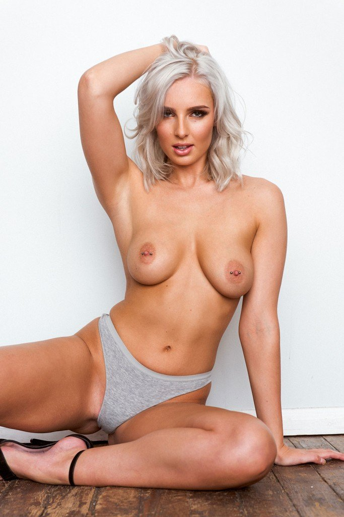 Lissy Cunningham Sexy Topless 5