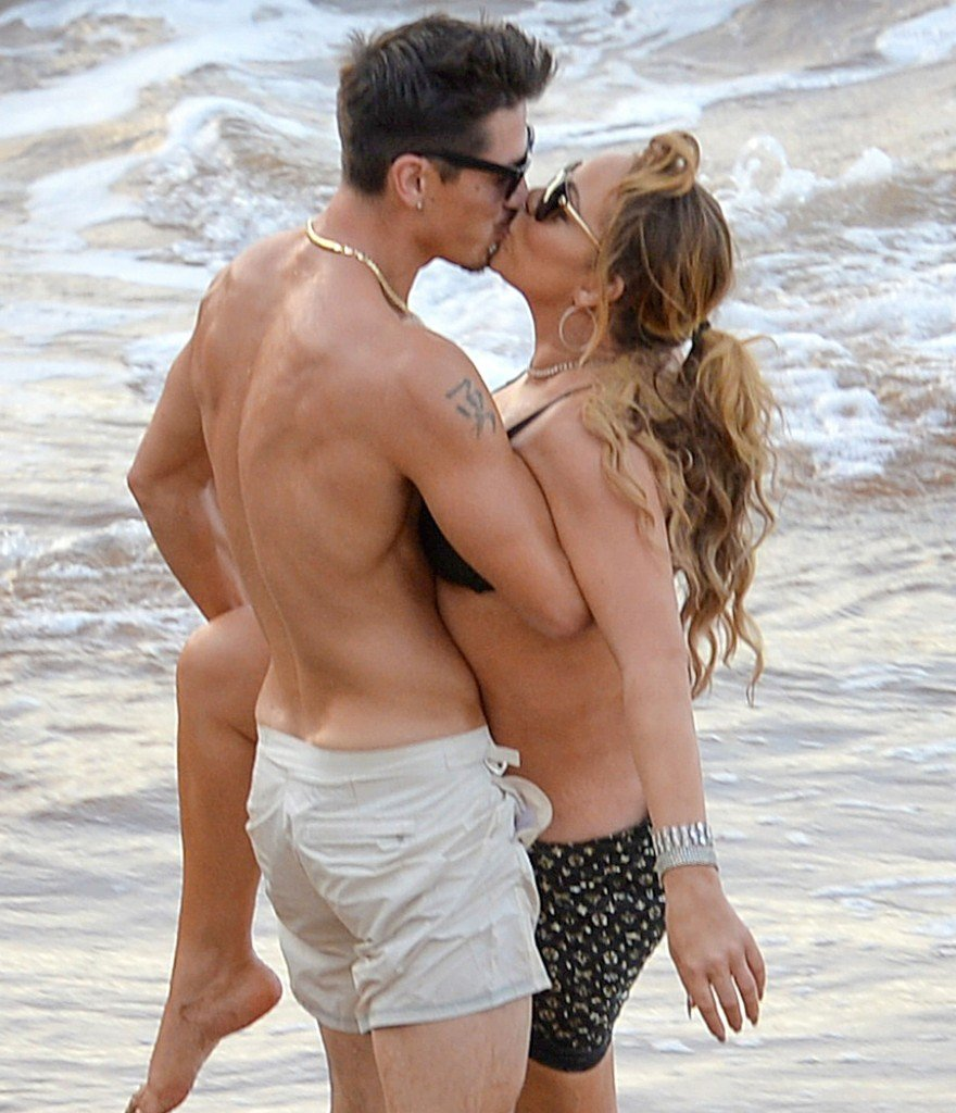 Mariah Carey Nip Slip 1