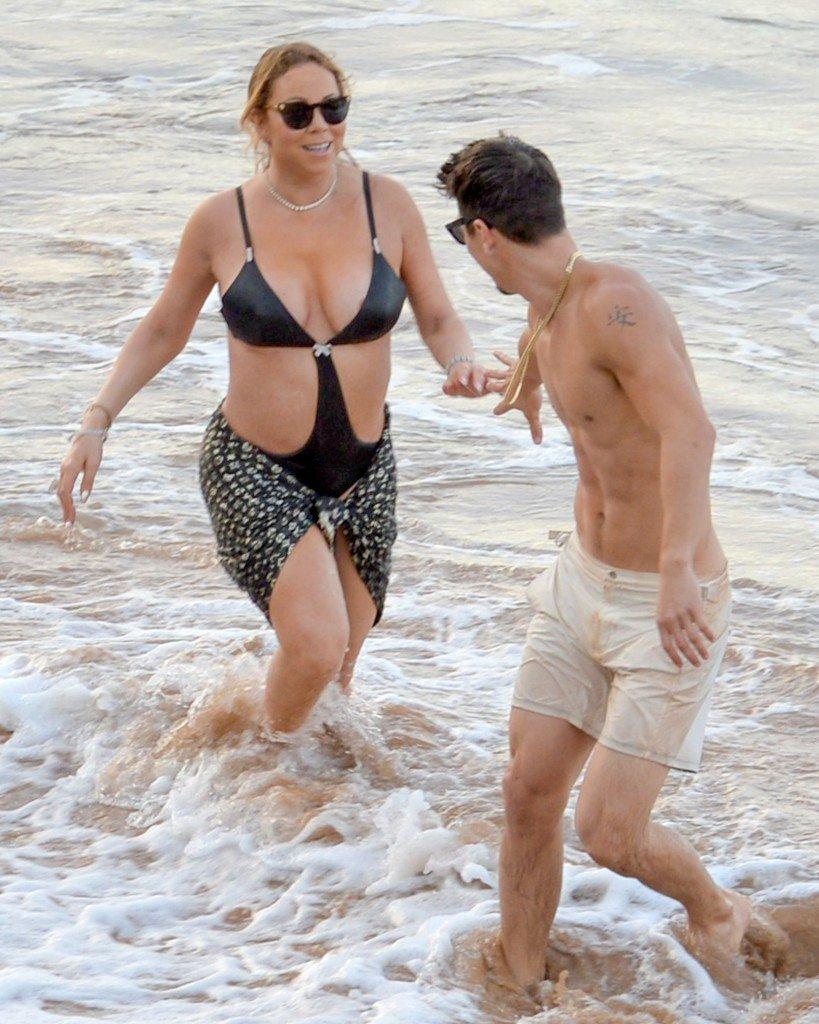Mariah Carey Nip Slip 15
