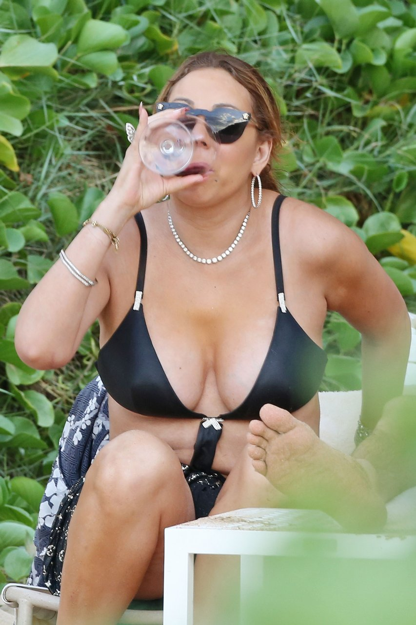 Mariah carey sent nudes to backup dancer current bf while on vacation with ex