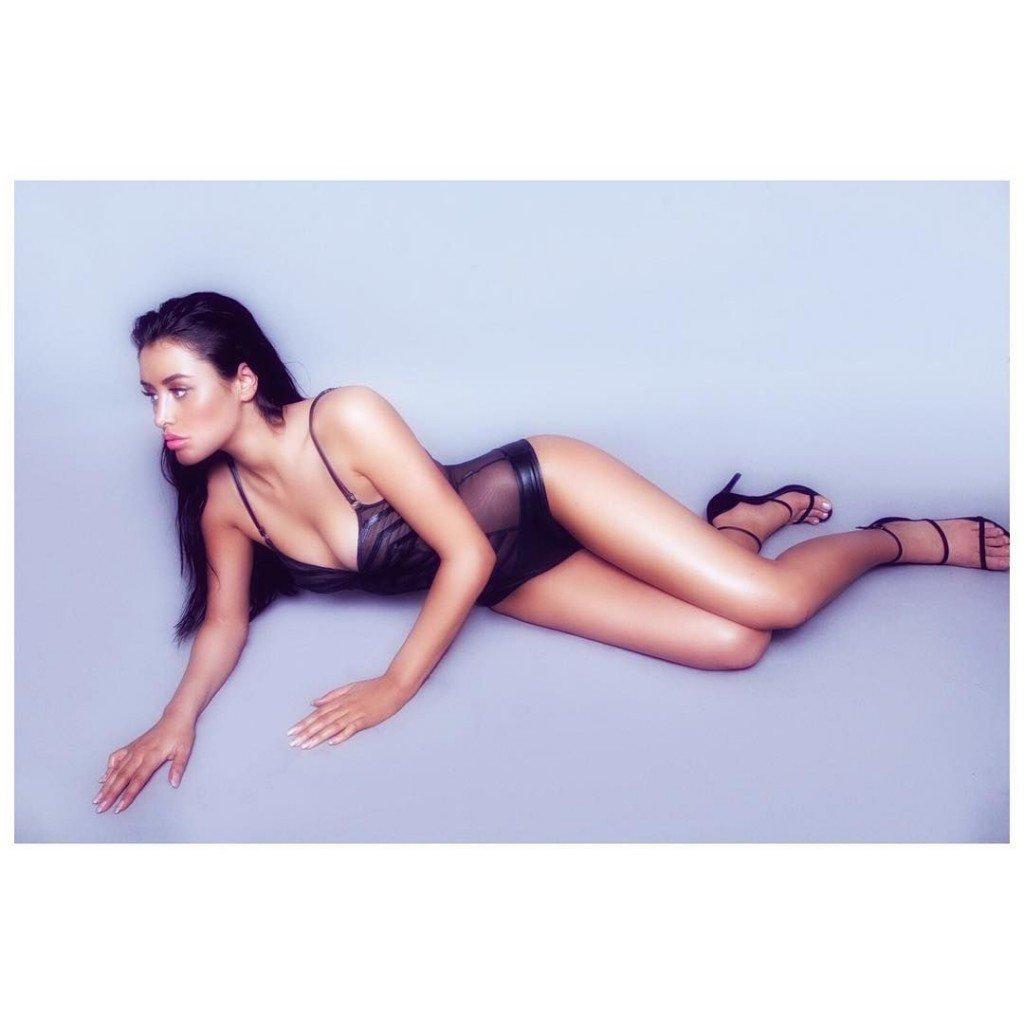 Marnie Simpson Nude Sexy 19