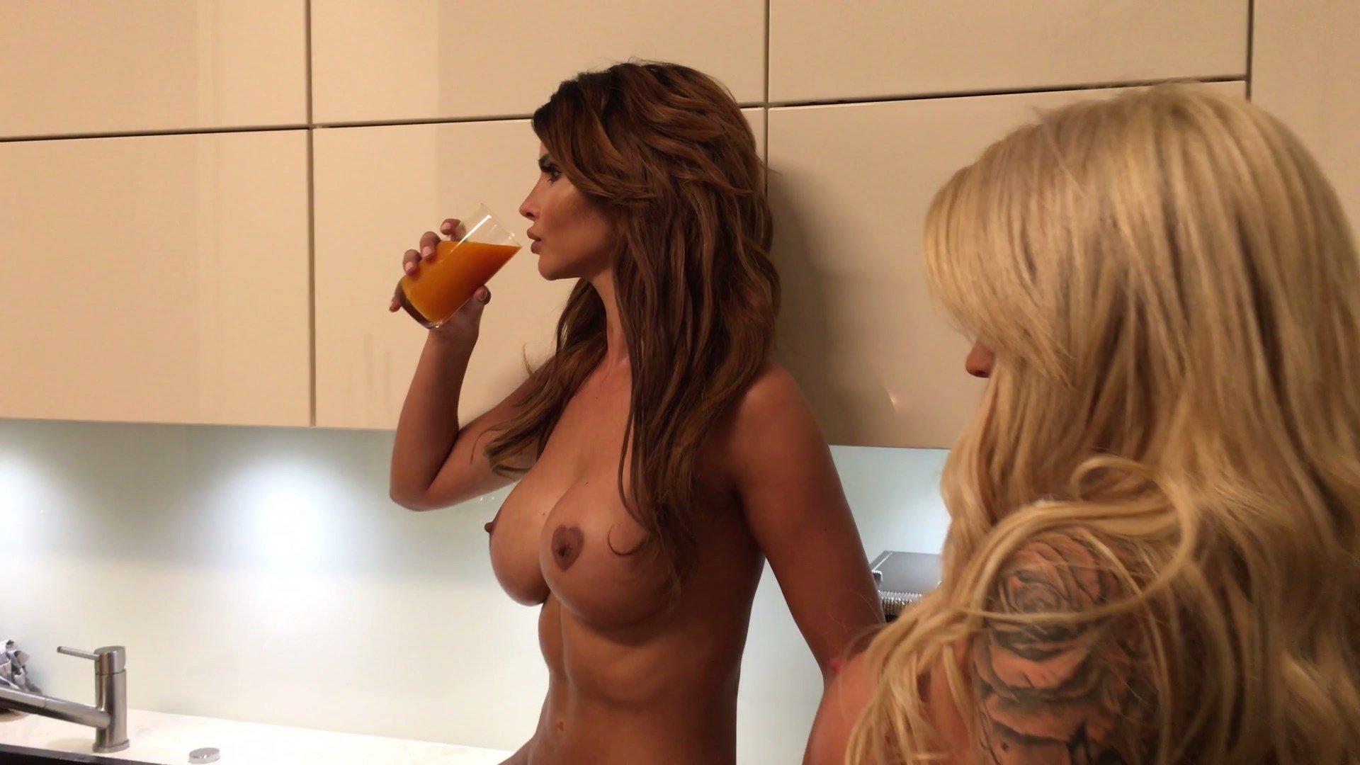 Jacky Valentine Nude