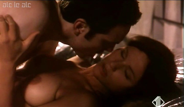 Michelle Hunziker Nude – The Protagonists (1999)