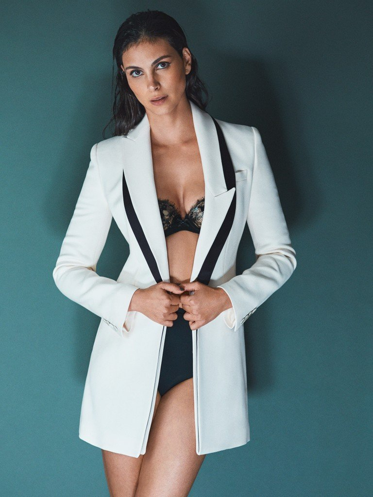 Morena Baccarin Sexy 3