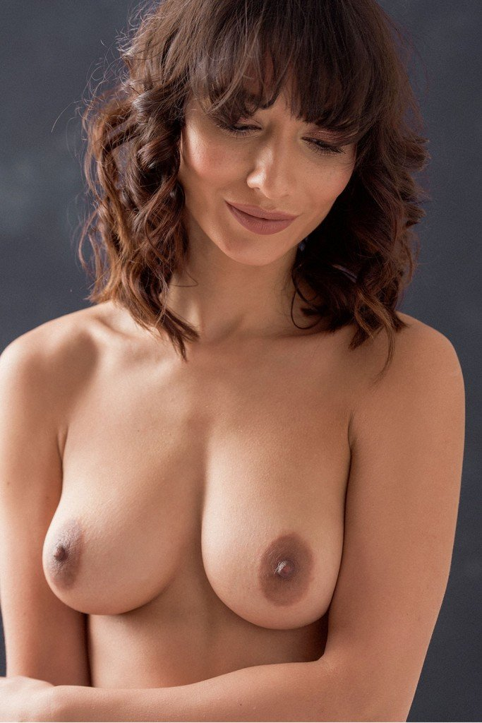 Nicola Paul Sexy Nude 5