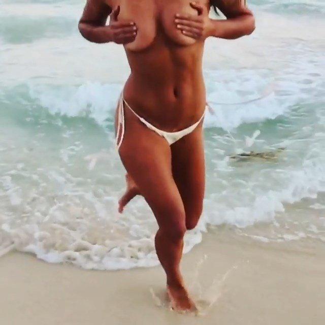 Nina Agdal Topless (11 Photos + 2 GIFs)