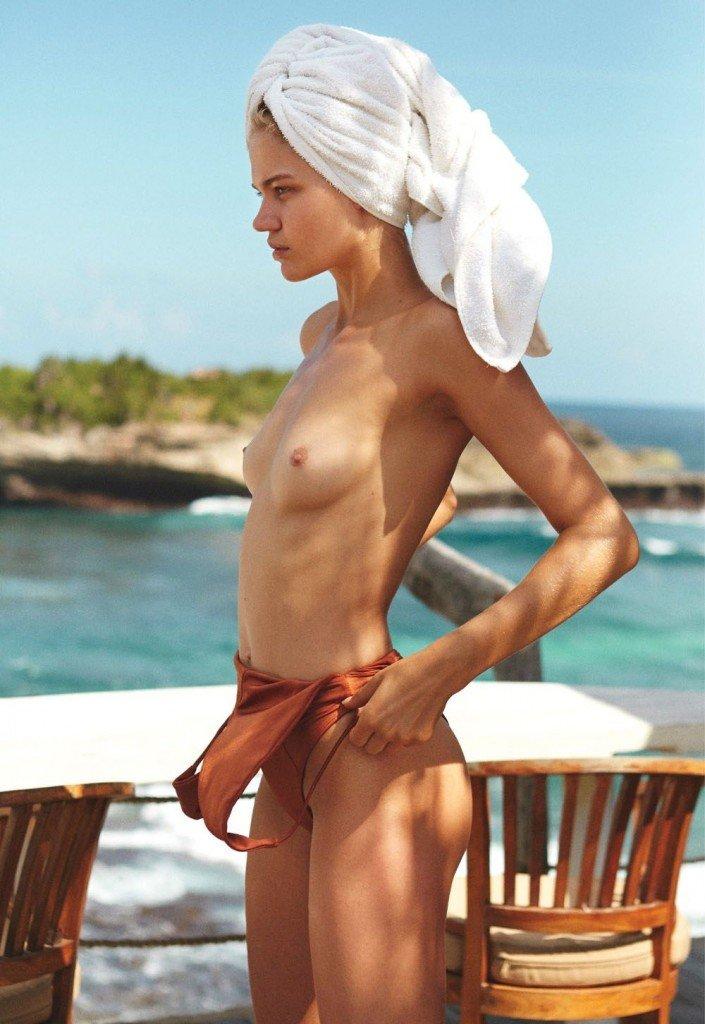 Rebecca Szulc Sexy Topless 13