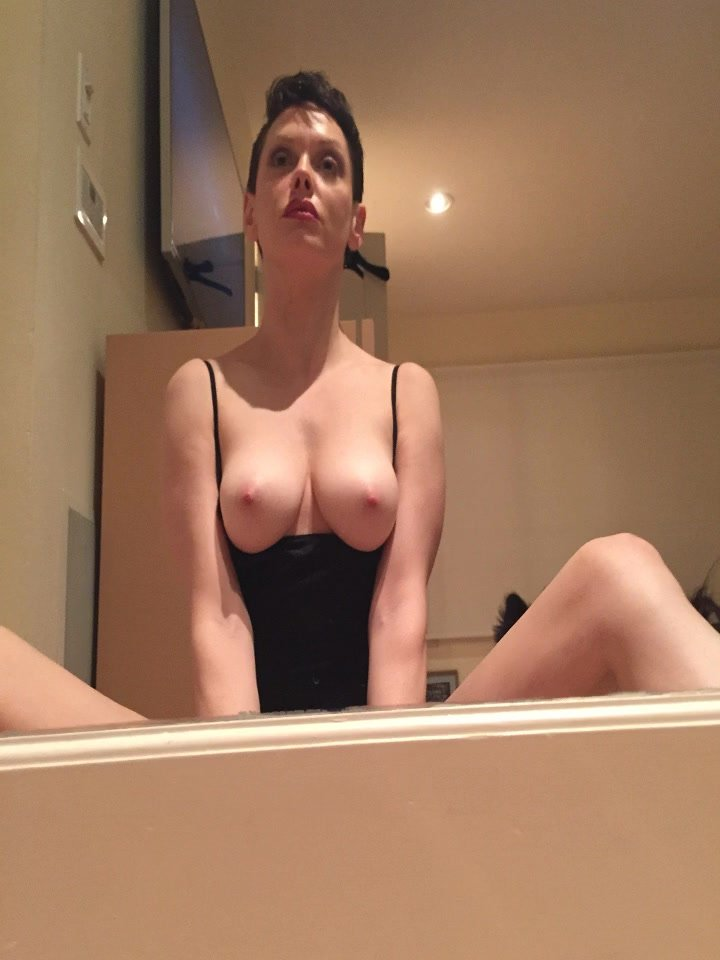 Rose McGowan Leaked (20 Photos)