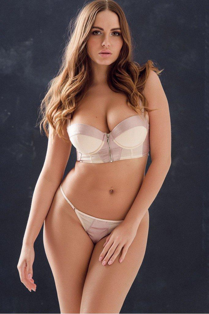 Sabine Jemeljanova Sexy & Topless 1