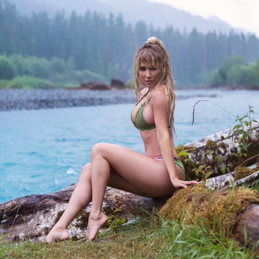 Sara Underwood Nude & Sexy (6 Photos)