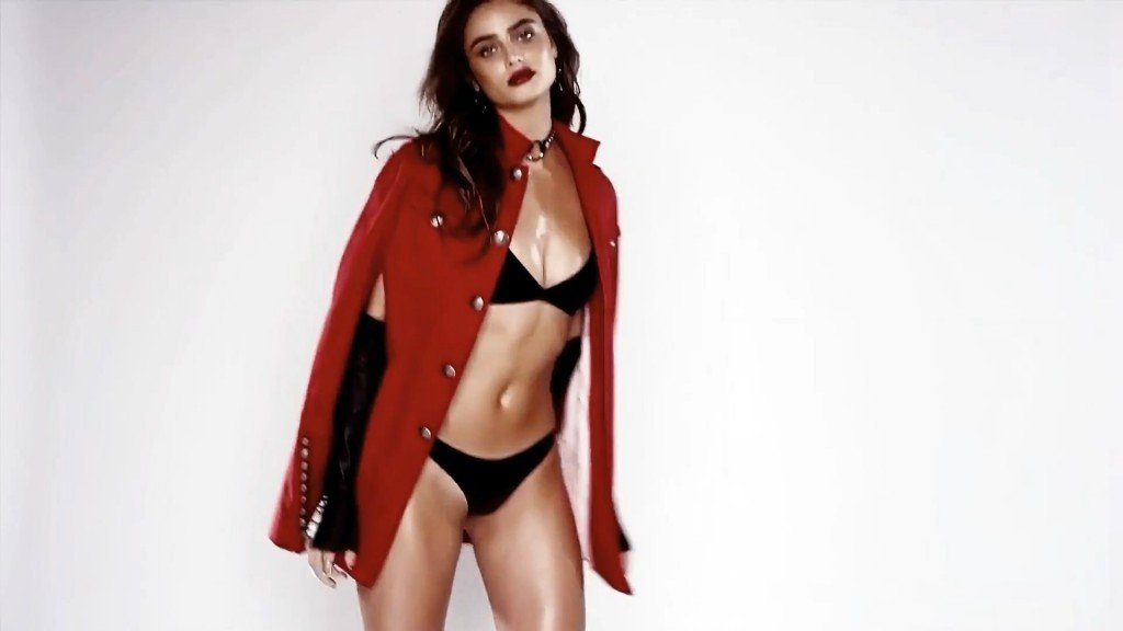 Taylor Hill Sexy 1