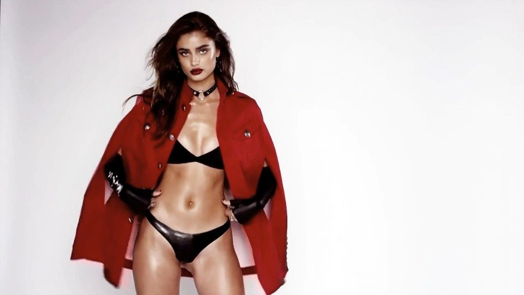 Taylor Hill Sexy 14