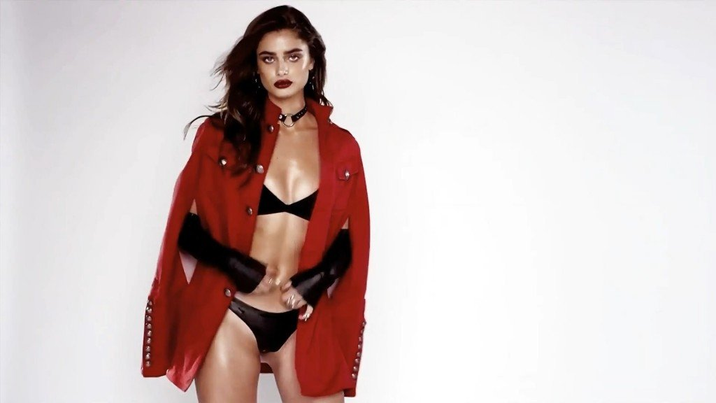 Taylor Hill Sexy 5