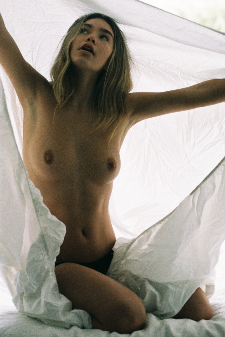 rachel zoe nude breast