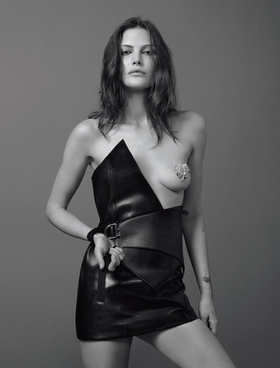 Mcneil nackt Catherine  Model: Catherine