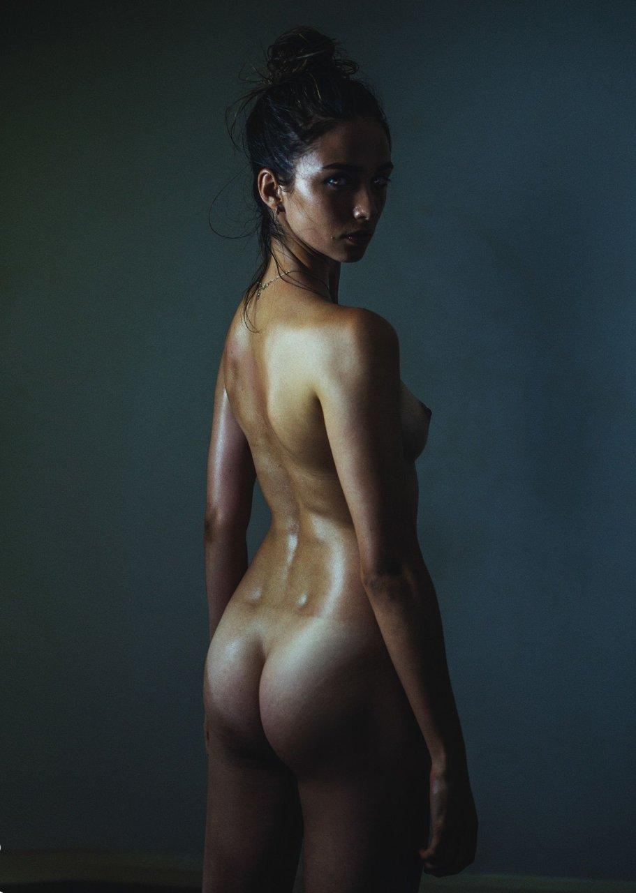 girl play billiard naked