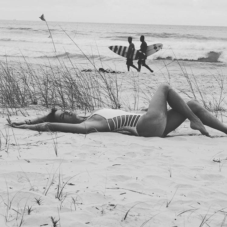 Alessandra Ambrosio Sexy (11 New Photos)