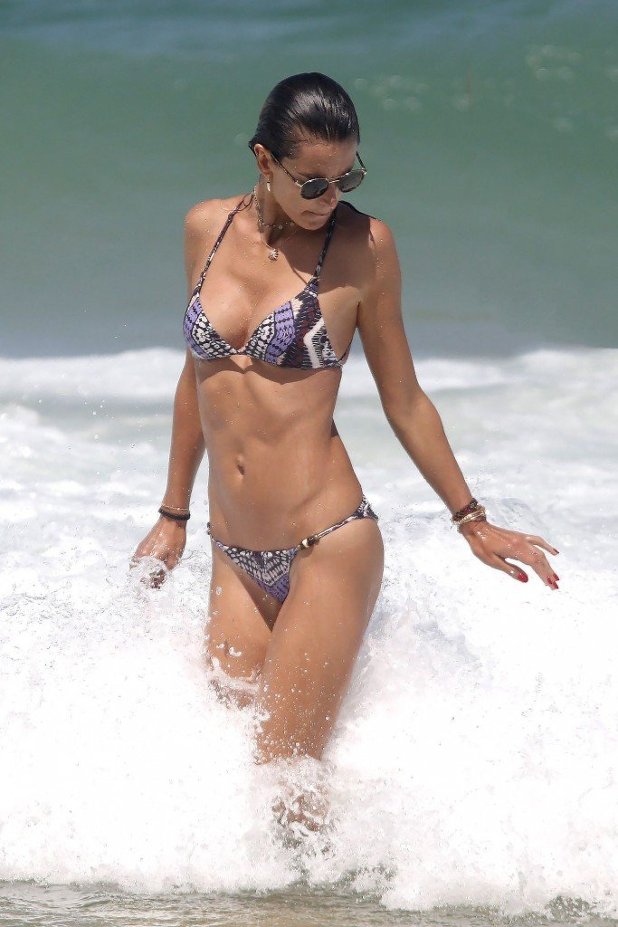 Alessandra Ambrosio Sexy thefappening.so 2