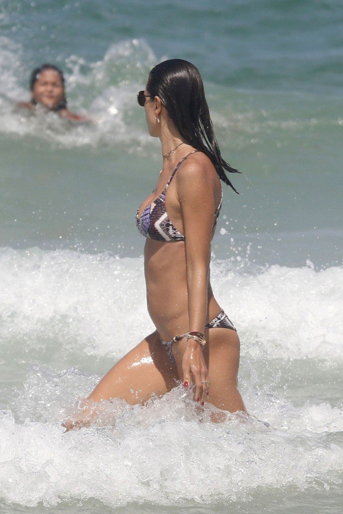 Alessandra Ambrosio Sexy thefappening.so 22