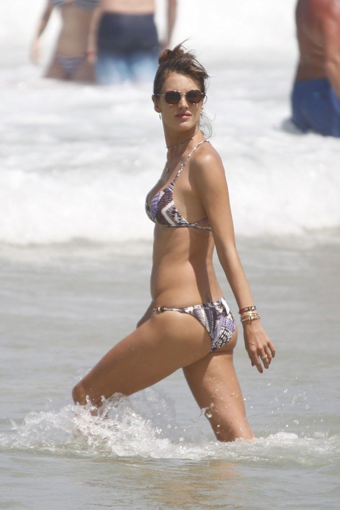 Alessandra Ambrosio Sexy thefappening.so 29