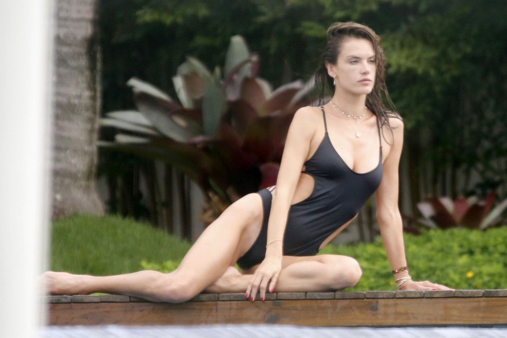 Alessandra Ambrosio Sexy thefappening.so 38