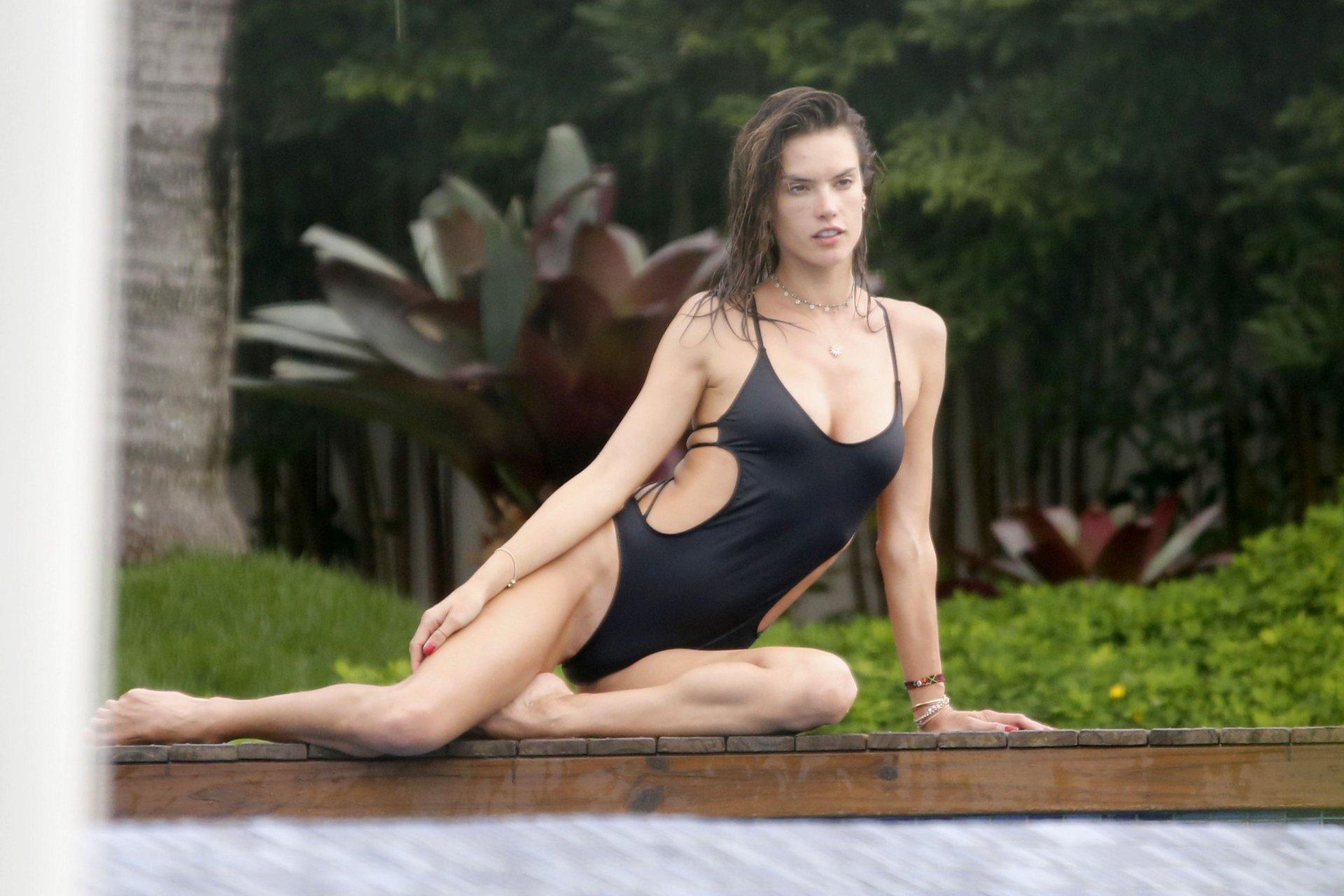 Watch Alessandra ambrosio sexy topless 47 Photos video