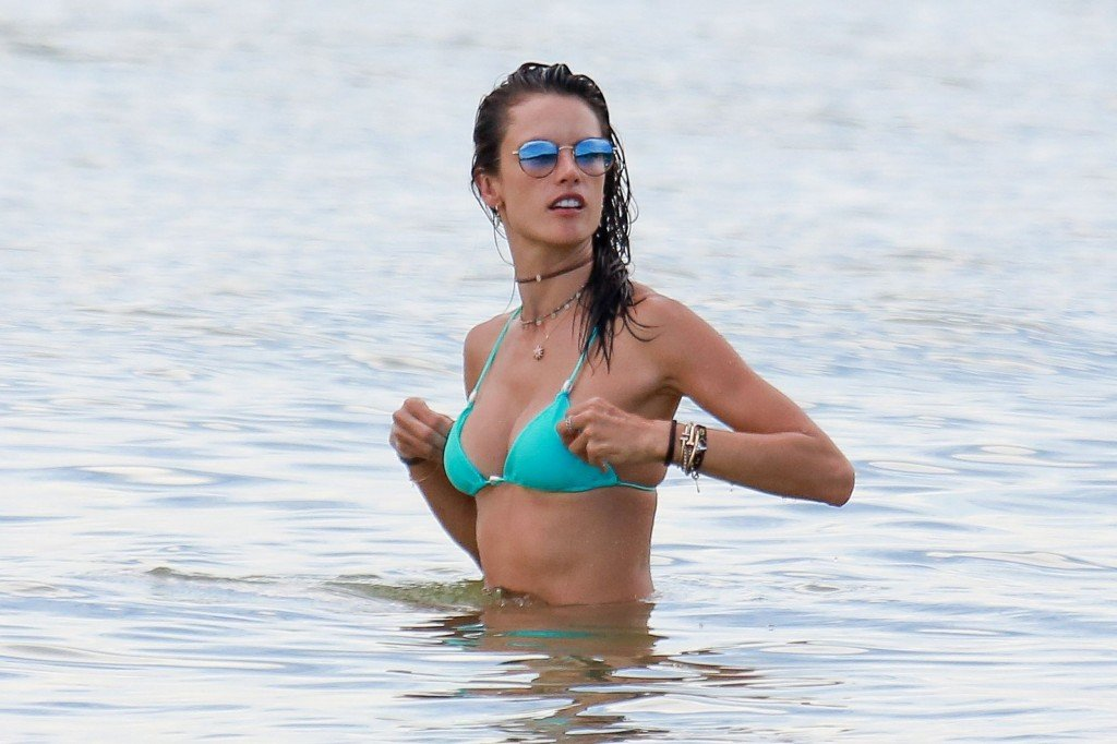 Alessandra Ambrosio Sexy thefappening.so 55