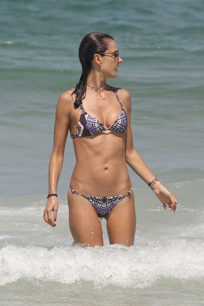 Alessandra Ambrosio Sexy thefappening.so 6