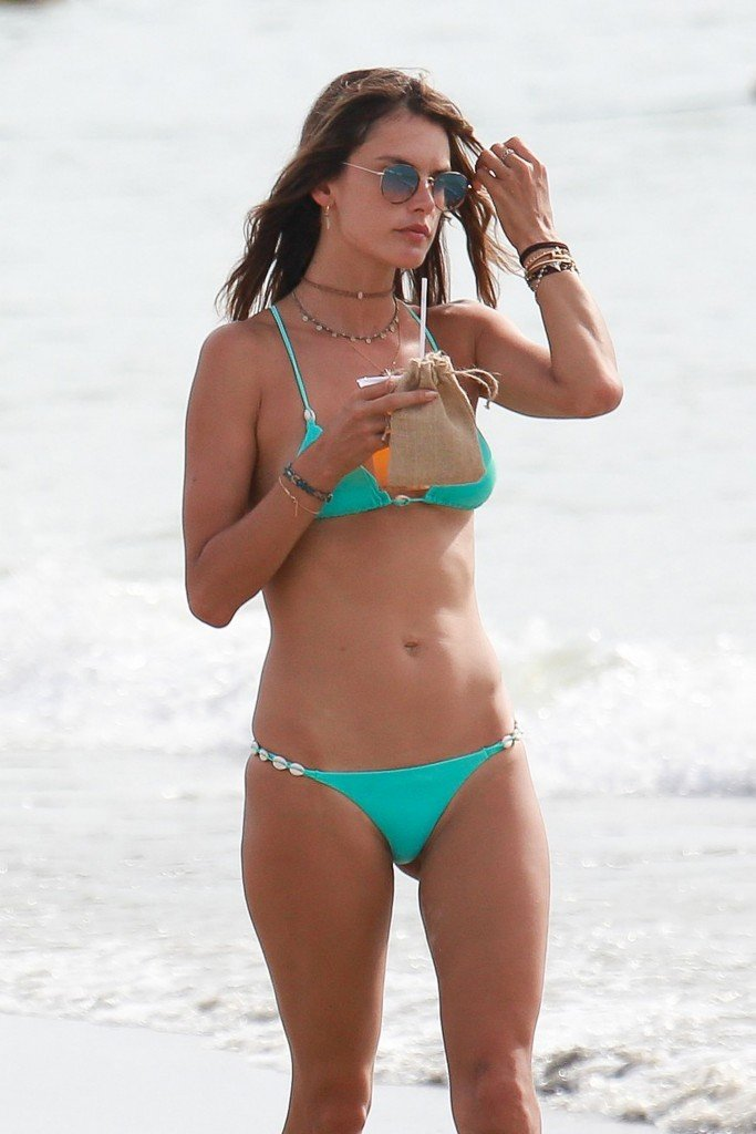 Alessandra Ambrosio Sexy thefappening.so 70