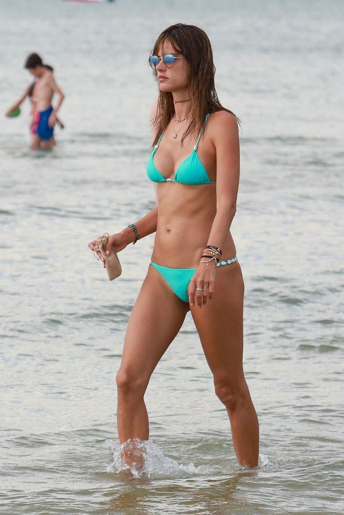 Alessandra Ambrosio Sexy thefappening.so 73