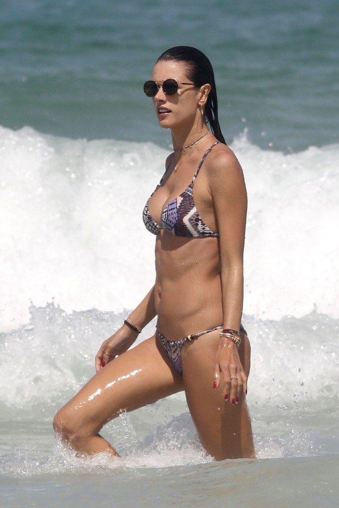 Alessandra Ambrosio Sexy thefappening.so 8