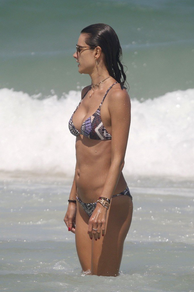 Alessandra Ambrosio Sexy thefappening.so 9