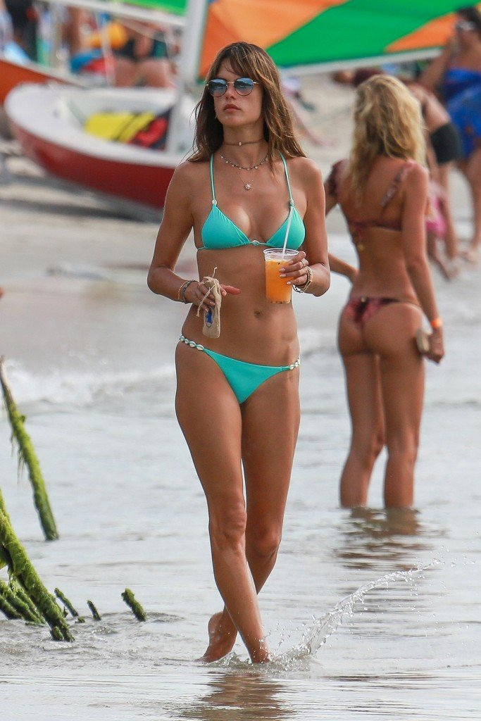 Alessandra Ambrosio Sexy thefappening.so 98