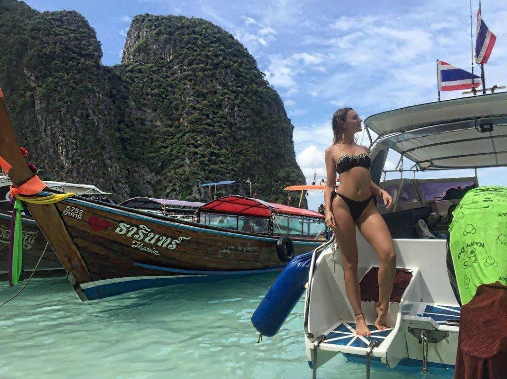 Alexandra Stan Sexy (13 Photos)