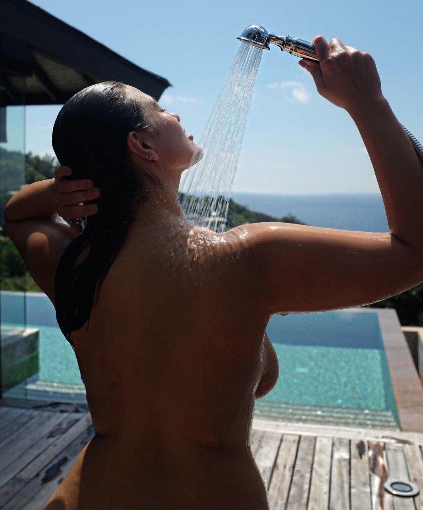 Ashley Graham Sexy (5 New Photos)