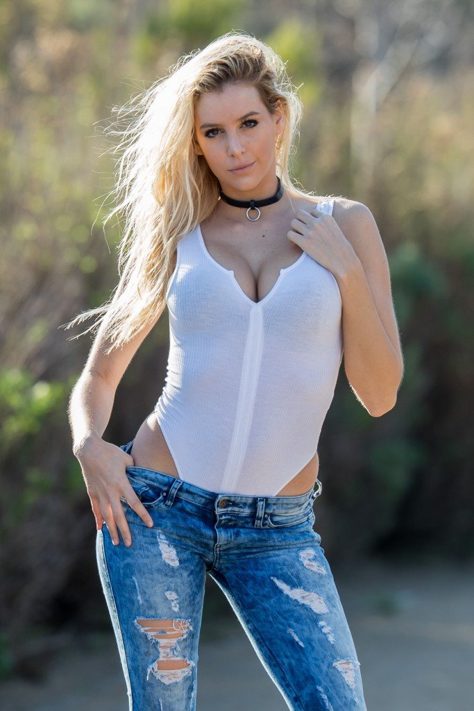 Bri Teresi Sexy (11 Photos)