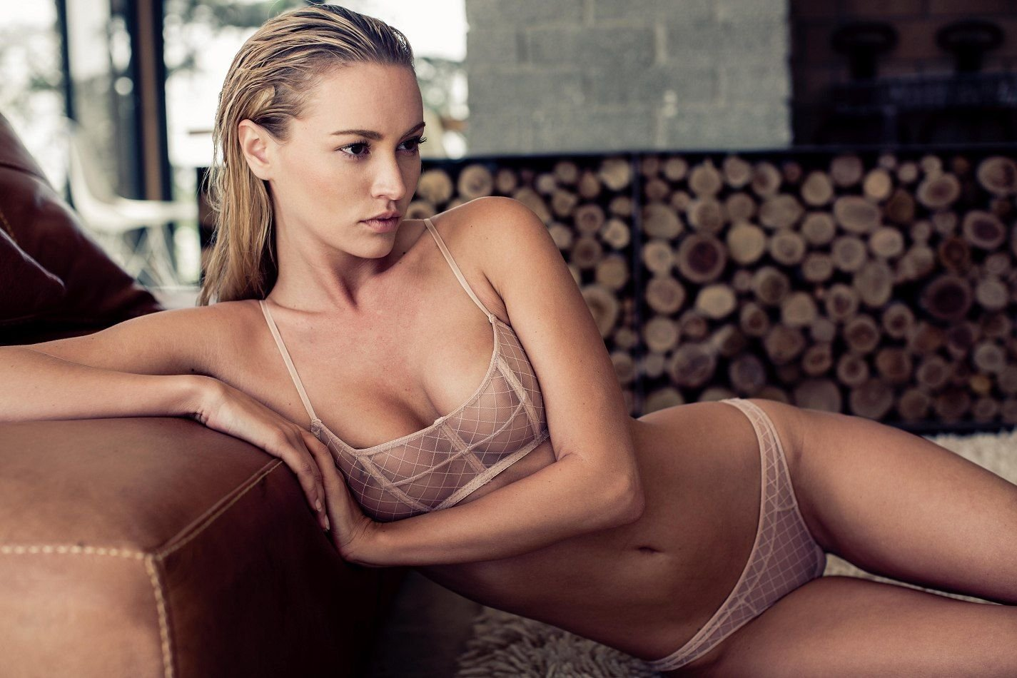 Bryana-Holly-Nude-Sexy-thefappening.so-2