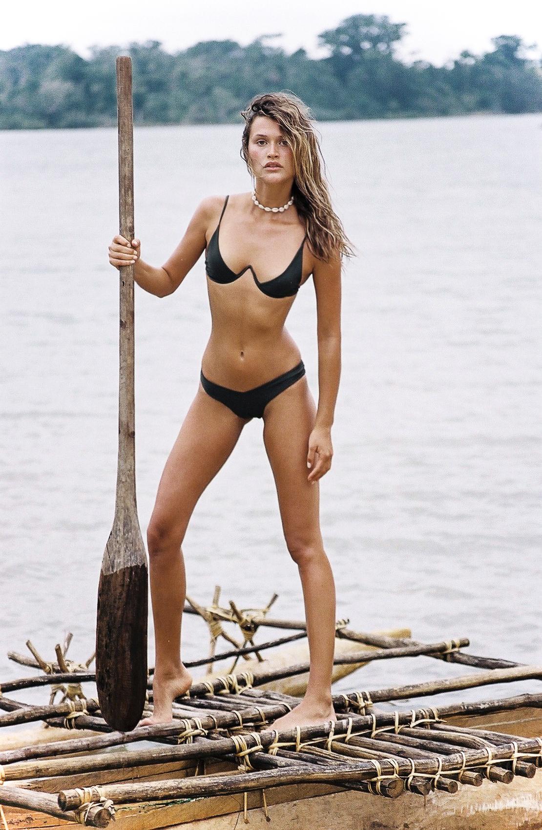 chloe lecareux nude