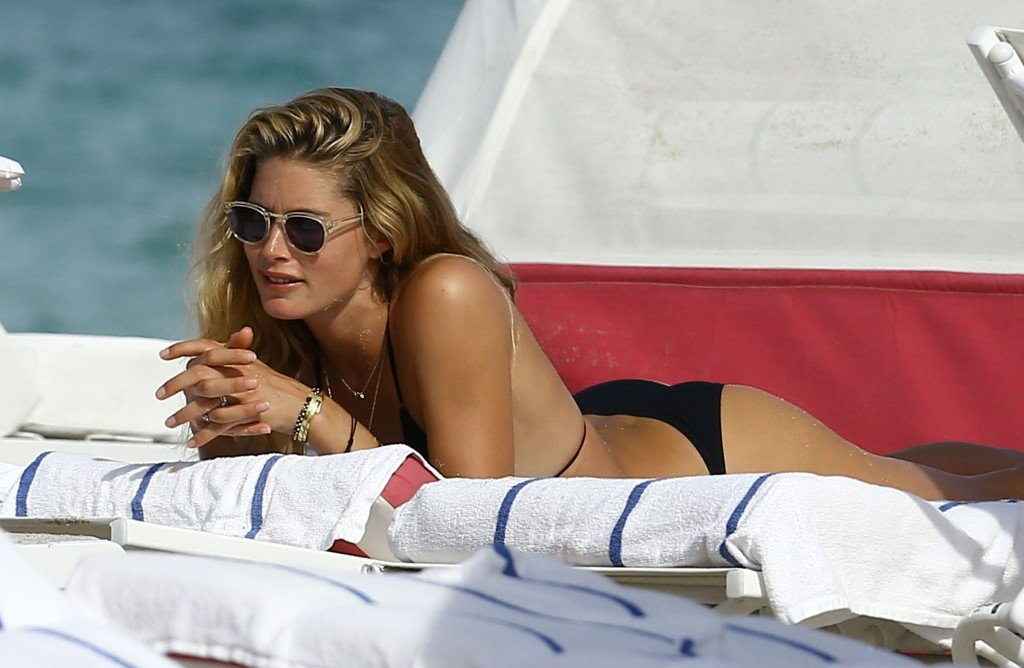Doutzen Kroes Sexy thefappening.so 31