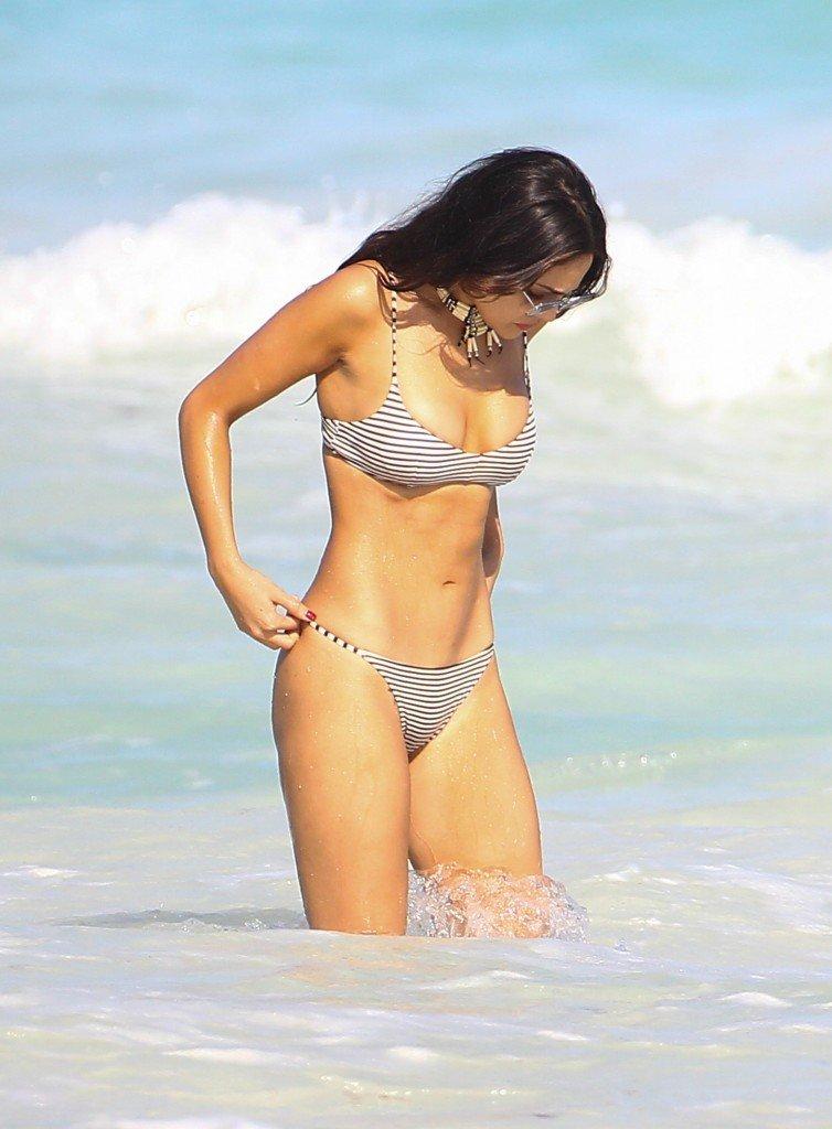 Eiza González Sexy (22 Photos)